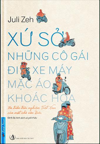xu-so-nhung-co-gai-di-xe-may-mac-ao-khoac-hoa1.png